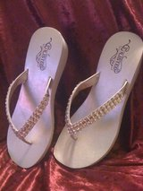 New,Unlisted flip-flops with lots of bling,sz.8.5 in Leesville, Louisiana
